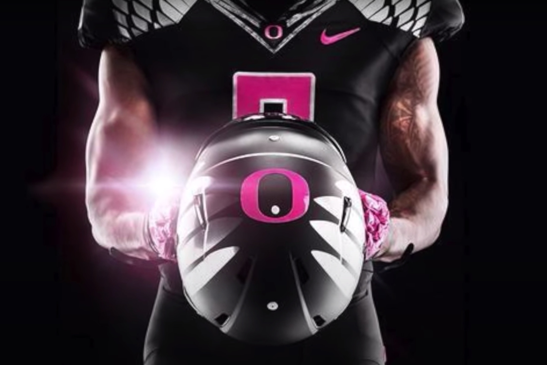Oregon Ducks pink uniforms